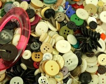 Lot of Buttons / DESTASH BUTTONS / 11 oz of Buttons
