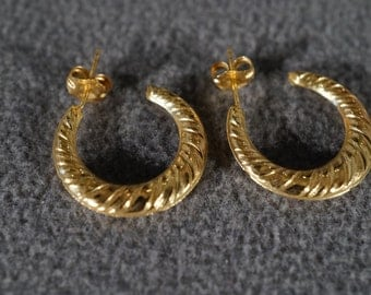 Vintage Sterling Silver Yellow Gold Overlay Fancy Swirled Etched Hoop Design Pierced Earrings      #753