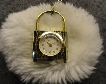 Swiss Made Endura Wind Up Vintage Necklace Pendant Watch