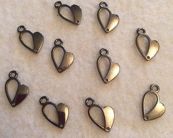 Glossy Black Heart Charms (10)