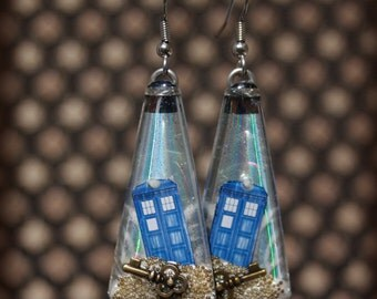Doctor Who Tardis CD earrings - Wibbly Wobbly Timey Wimey stuff on an upcycled CD.