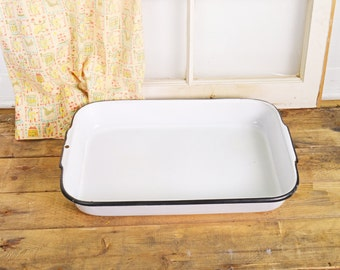Enamel Cake Pan, Enamel Baking Pan, Vintage Baking Pan, White Enamelware Pan, Enamel Roasting Pan, 17X12 Pan, Oblong Enamel Pan, Cooking Pan
