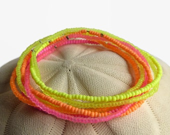 Boho seed bead bracelet in neon colors, beaded stretch beach bracelet, yellow orange pink, minimalist bracelet