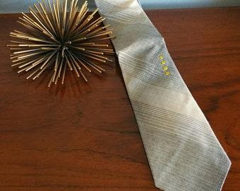 New old stock mens skinny tie.
