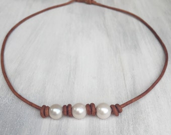 Pearl leather necklace, leather and pearls, pearl necklace, pearl jewelry, pearls on leather, pearl and leather jewelry, gift for mom