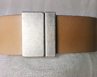 Natural color Leather bracelet with magnetic clasp