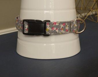 Grey Floral Collar