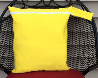 XL Wet bag-Leakproof, Washable, Reusable Wet bag for cloth Diaper-Solid Yellow