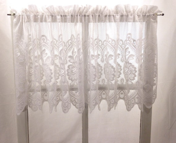 Scalloped French Country Chic Floral Lace Valance Shabby