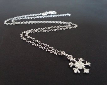 Christmas Gifts - Sterling Silver Snowflake Necklace - Silver Charms - Dainty Necklace - Minimal Jewellery - Silver Charms -  11mm Charm