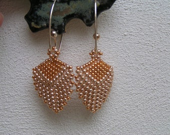 Pattern/Tutorial in English for the earrings Triangle