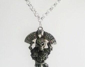 Necklace Guns N