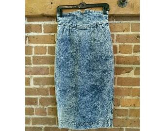 Vintage 80s acid wash denim high waisted skirt- stone washed pencil skirt