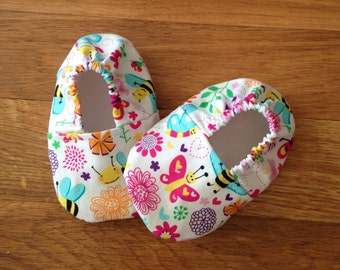 Baby Booties with Butterfly and Bumblebee Print