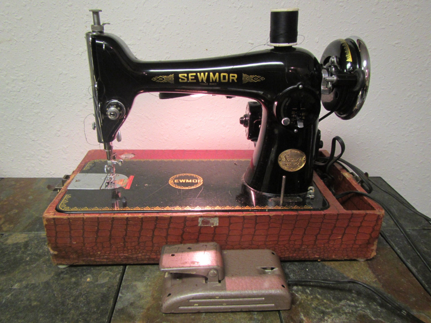 Vintage Sewmor Sewing Machine Model 404 Electric With Foot