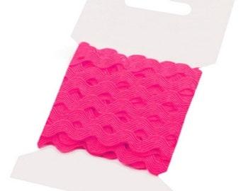 PINK Fuchsia Ric Rac Ribbon Decorative Trim - 5 mm x 3 Metres
