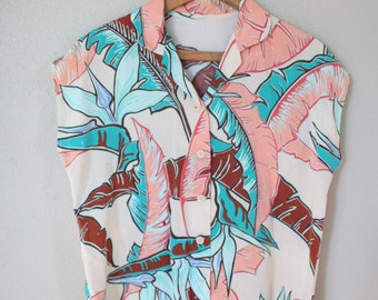 Vintage hawaiian foral leafy button up top