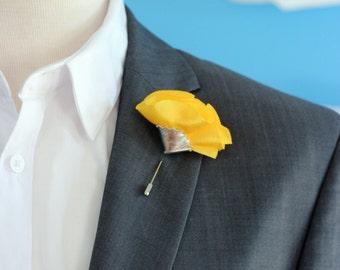 lapell carnation pin, Mens lapel flower, stick pin,yellow lapel boutonniere, lapel boutonniere,rustic wedding boutonnniere, yellow carnation