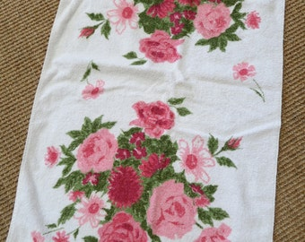 Mid Century Bath Towel - Roses Daisy  - Pacific Supersorb - Pink Olive Green - Cottage Chic Bath Towel