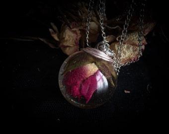 Rosebud Beauty necklace