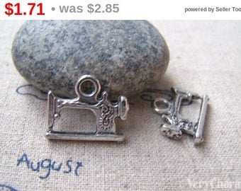 10 pcs of Antique Silver Sewing Machine Charms 14x18mm A864