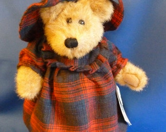 Boyds Bears Teddy Bear named Evelyn, 12 Inches, #91614, Original Clothing