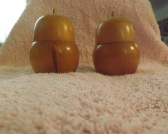 Hefty WOOD ACORN Salt and Pepper SHAKERS