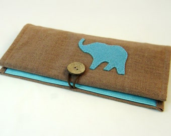 The organizer for jewelry . Elephant . Roll to store jewelry . Travel case for storing jewelry . For home and travel