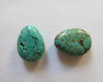 2 Turquoise briolettes natural 17x13x6mm