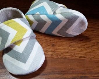 HARRISON. Baby Boy Shoes.  Blue, yellow, white and grey chevron