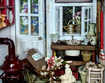 Dollhouse Miniature Gardener's Shed Roombox 1:12 Scale