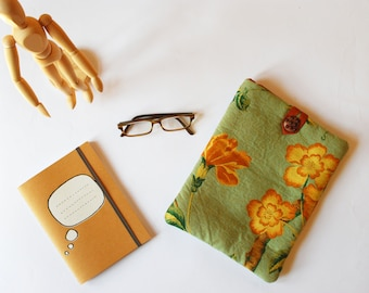 pistachio green Ipad cover - Japan style Ipad case -flowered green tablet case - Ipad sleeve