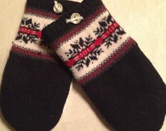 B8   Pretty felted wool mittens   Size medium