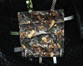 Tag Blanket- Sensory Blanket-Minky Blanket-Hunters camo