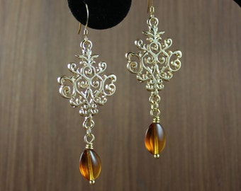Baroque chandelier earring ~ Gold plated ~ Amber ~ Outlander inspired