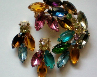 Large Rainbow Rhinestone Brooch with Matching Clip Earrings - 4495