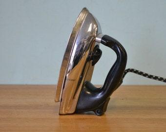 Mid century clothes Iron black & chrome Morphy – Richards