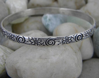 Sterling Silver Bangle - Antiqued Daisy Design