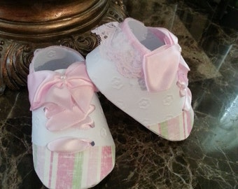 Baby Shower Favors / Set Of Ten Pink And Green Sneaker Shoe Favors / Girl Shoe Favors / Baby Shower Favors