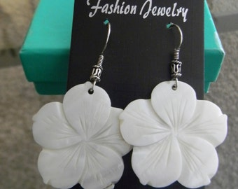 Flower Earring with sterling silver finishing