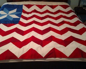 Flag Quilt / American Flag Quilt / Homemade Quilt