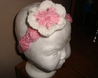 Pink and white flower crochet headband with shell stitch