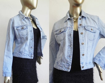 light wash denim jacket \ gap denim \ fitted jean jacket