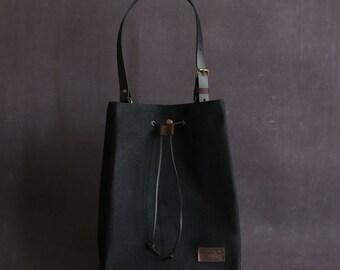 Waxed canvas tote bag OLGA black T