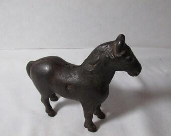 Cast iron metal horse bank, C. W. Williams early 1900s single screw