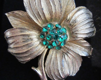 Vintage 1950's Flower Brooch With Stunning Green Jewels - So Lovely!!