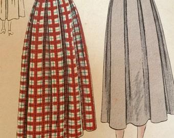 Vogue Sewing Pattern, pattern  3215, Junior Skirt Pattern, size 11, Waist 25, Hip 34 1/2