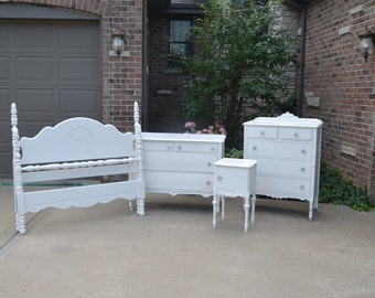 Bedroom set white Full Bed dresser chest and nightstand. slightly distressed. PLEASE READ DETAILS