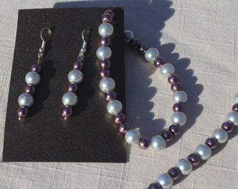 Gray and mauve necklace set