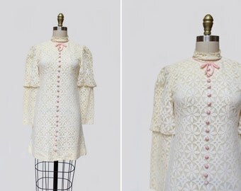1960s Giuletta Lace Dress { XS } Vintage 60s Juliet Sleeve Dress >> Floral Mini Dress